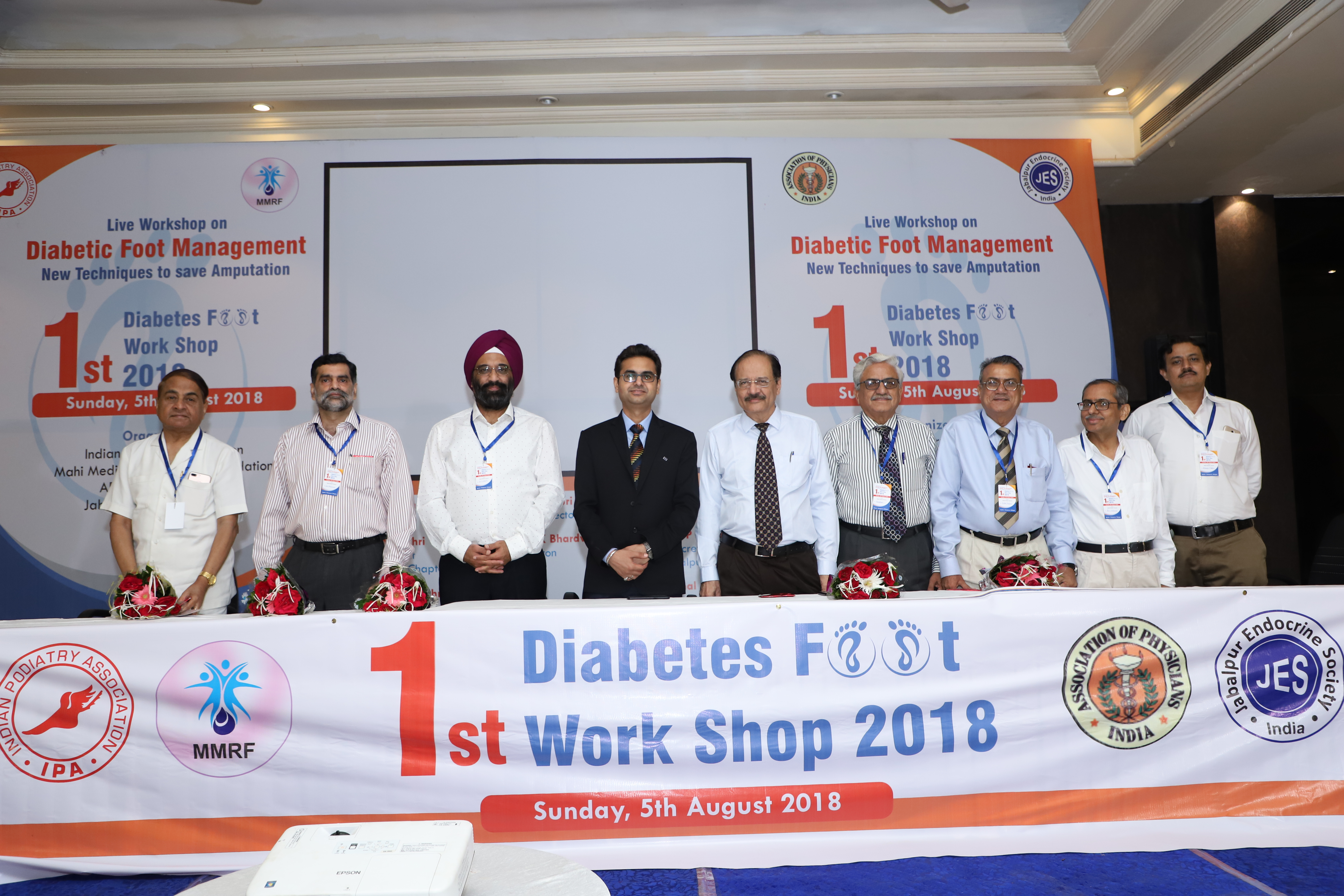 Diabetic Foot Surgeon Doctors in Naraina